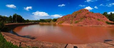 Paysage rural avec le bain de la Reine Sheba d'étang aka, Axum, Ethiopie photographie stock libre de droits