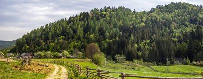 Paysage rural carpathien photos stock