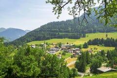 Paysage rural dans les montagnes françaises d'Alpes Photos stock