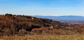 Paysage rural de campagne des collines de la Toscane photographie stock