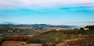 Paysage rural de campagne des collines de la Toscane photos libres de droits