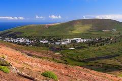 Paysage rural de Lanzarote de vallée de Haria, vue aérienne Espagne photos stock