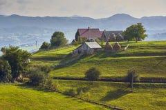 Paysage rural de printemps, la Transylvanie, Roumanie Photographie stock