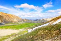 Paysage scénique de montagne en Islande Landmannalaugar, réserve naturelle de Fjallabak Photos stock