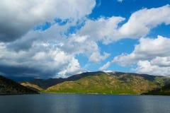 Paysage scénique paisible de lac Images libres de droits