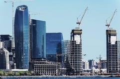 Paysage sc?nique d'horizon Bakou avec de nombreux gratte-ciel modernes en construction photo libre de droits