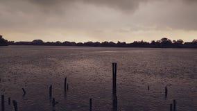 Paysage sur un lac image libre de droits