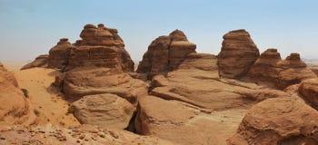 Paysage surréaliste de montagne de pierre de basalte Photo stock