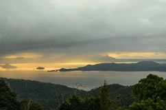 Paysage tropical de lac images libres de droits