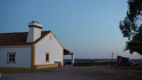 Paysage typique de maison de ferme de l'Alentejo au Portugal photographie stock libre de droits