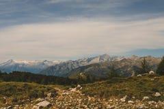 Paysage typique de montagne sur les dolomites italiennes photographie stock libre de droits