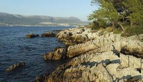 paysage typique en Croatie sur le marjan images stock