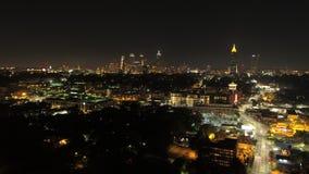 Paysage urbain aérien du coucher du soleil v236 de laps de temps d'Atlanta TL de filtrage latéral au-dessus de secteur d'O4W banque de vidéos