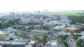 Paysage urbain autour du Potsdamer Platz la vue courbe au-dessus de la ville avec tiergarten et du secteur occidental de ville clips vidéos