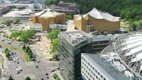 Paysage urbain autour du Potsdamer Platz la vue courbe au-dessus de la ville avec tiergarten et Sony centrent clips vidéos