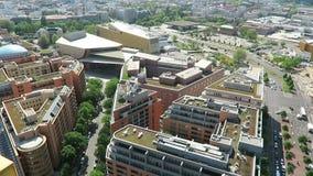 Paysage urbain autour du Potsdamer Platz vue courbe au-dessus de ville et de son théâtre à l'endroit de Potsdamer clips vidéos