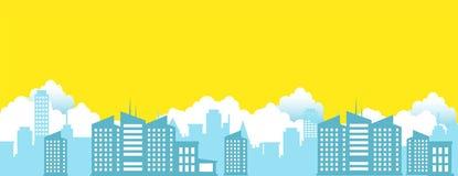 Paysage urbain avec des nuages et le vecteur jaune de fond de ciel Photos stock