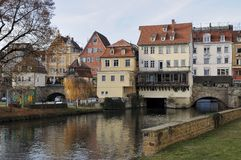 Paysage urbain avec le canal du Neckar, esslingen images stock