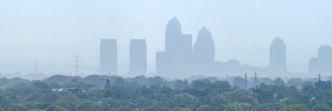 Paysage urbain brumeux Photo libre de droits