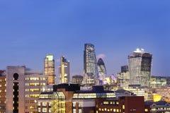 Paysage urbain coloré de Londres au crépuscule Photo libre de droits