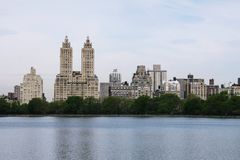 Paysage urbain combiné avec la nature photo libre de droits