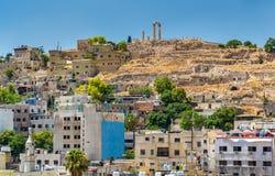 Paysage urbain d'Amman avec la citadelle, Jordanie Photographie stock libre de droits
