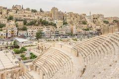 Paysage urbain d'Amman, capitale de la Jordanie, avec Roman Amphithea Image libre de droits
