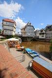 Paysage urbain de Bad Kreuznach avec ses passerelles historiques et image libre de droits