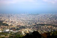Paysage urbain de Barcelone de la montagne Images libres de droits