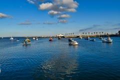 Paysage urbain de bord de la mer de ville de Cascais dans le jour d'été Municipalité de Cascais, Portugal photographie stock libre de droits