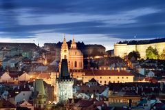 Paysage urbain de château de Prague Photos libres de droits