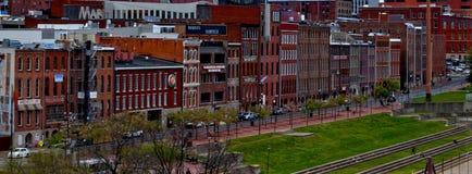 Paysage urbain de façade d'une rivière de Nashville Photographie stock libre de droits