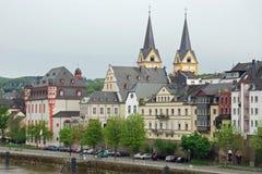 Paysage urbain de fleuve la Moselle à Koblenz, Allemagne Photographie stock libre de droits