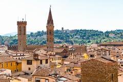 Paysage urbain de Florence, comportant les toits rouges de terre cuite Photo stock