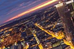 Paysage urbain de Francfort sur Main Allemagne la nuit Image libre de droits