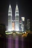 Paysage urbain de Kuala Lumpur avec la Tour jumelle Image libre de droits