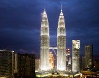 Paysage urbain de Kuala Lumpur avec la Tour jumelle Images libres de droits