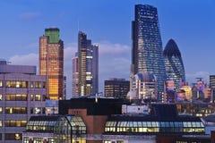 Paysage urbain de Londres de soirée Image stock