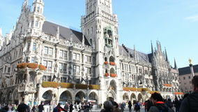 Paysage urbain de Marienplatz de Munich banque de vidéos