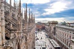 Paysage urbain de Milan à partir de dessus de Milan Cathedral, Italie photo stock