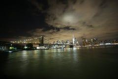 Paysage urbain de New York de pont de Brooklyn Photographie stock libre de droits