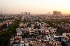 Paysage urbain de Noida au crépuscule Photos stock