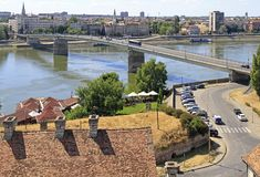 Paysage urbain de Novi Sad, Serbie vue de la forteresse de Petrovaradin photos stock