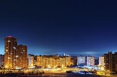 Paysage urbain de nuit de secteur de Poznyaki, nuit, extérieure Image stock
