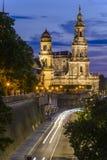 Paysage urbain de nuit de vieille ville de Dresen Images libres de droits