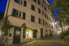 Paysage urbain de nuit de Zurich Image stock