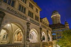 Paysage urbain de nuit de Zurich Image libre de droits