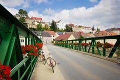 Paysage urbain de petite ville assez européenne Photographie stock