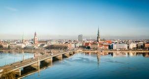 Paysage urbain de Riga en Lettonie Photographie stock libre de droits