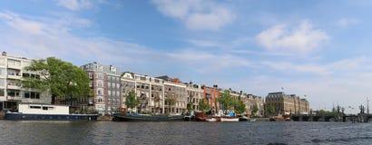Paysage urbain de rivière d'Amsterdam Amstel Photos stock